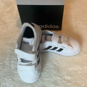 Toddler Boys NIB Adidas Sneakers